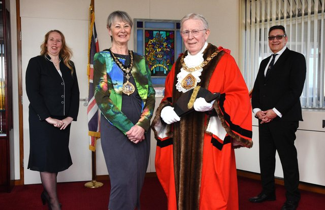 Former Mayor, Cllr David Snowdon, and his wife, Cllr Dianne Snowdon, make way for the New Mayor of Sunderland, Cllr Henry Trueman, with his wife and Mayoress, Cllr Dorothy Trueman. Source: Sunderland City Council