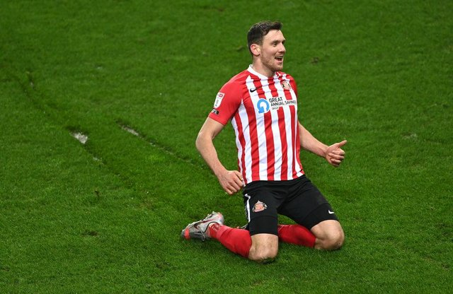 Revealed: The deadline for Sunderland to make contract decisions on Luke O'Nien, Charlie Wyke, Aiden McGeady and more