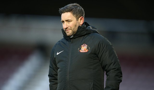 NORTHAMPTON, ENGLAND - JANUARY 02: Sunderland manager Lee Johnson looks on during the Sky Bet League One match between Northampton Town and Sunderland at PTS Academy Stadium on January 02, 2021 in Northampton, England. (Photo by Pete Norton/Getty Images)