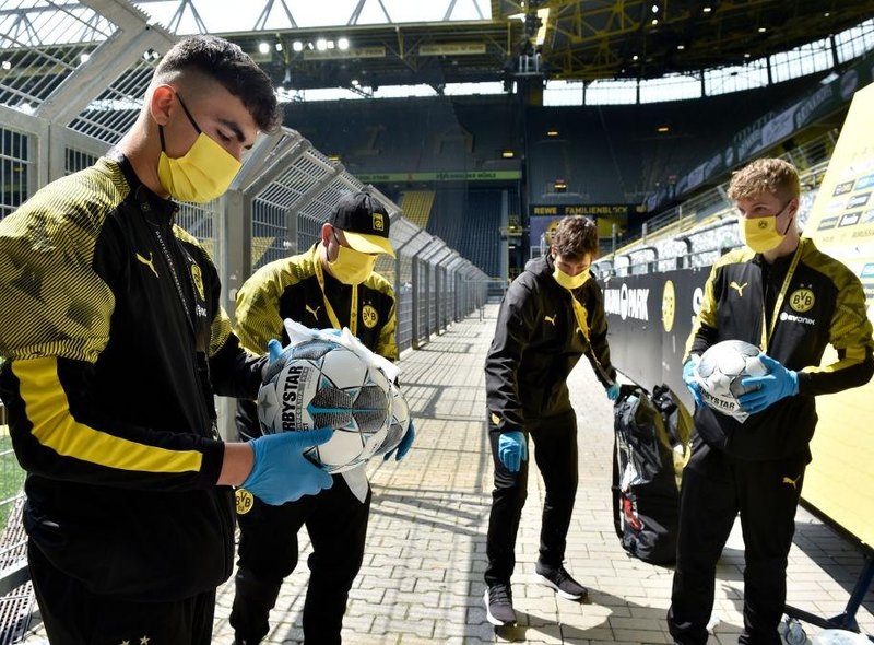 Even the match balls were disinfected prior to kick-off, as the Bundesliga look to take every precaution necessary.