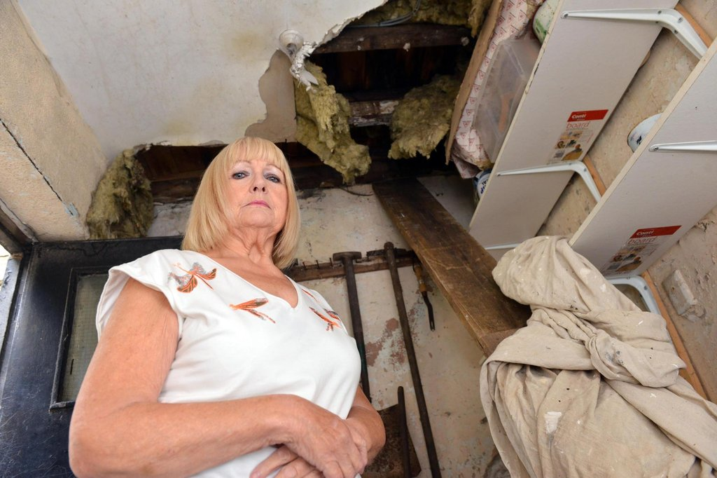 Lodge tenant at Sunderland's Southwick Cemetery says building 'falling apart', with caved-in ceiling and rats coming through rotting skirting boards