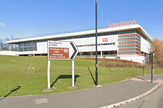 Kelly Bolam, 41, loaded up with £159 of goods at Sainsbury's RiversideRoad outlet in Sunderland at 3.15pm on Saturday, February 20.
