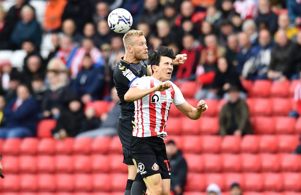 EFL pundits deliver verdict on Jayden Stockley's alledged headbut and Ross Stewart's penalty appeal after Charlton's win at Sunderland