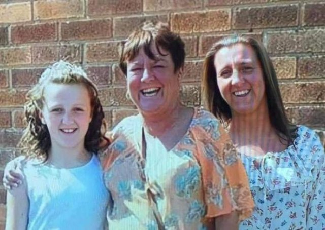 Sam Murphy, right, with her late mum Bev and her daughter Ellis, now 20.