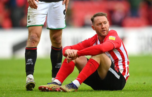SUNDERLAND, ENGLAND - MAY 22: Sunderland player Aiden McGeady reacts dejectedly after the Sky Bet League One Play-off Semi Final 2nd Leg match between Sunderland and Lincoln City  at Stadium of Light on May 22, 2021 in Sunderland, England. (Photo by Stu Forster/Getty Images)