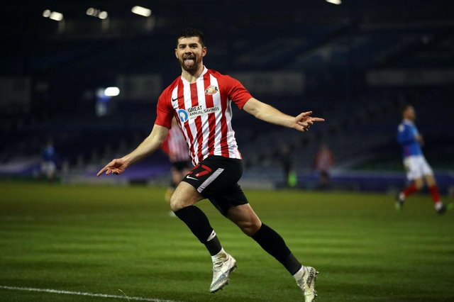 Jordan Jones playing for Sunderland.