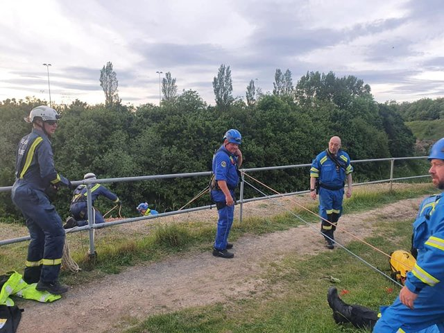 Rescue teams set up a rope rescue on arrival./Photo: Sunderland Coastguard Rescue Team