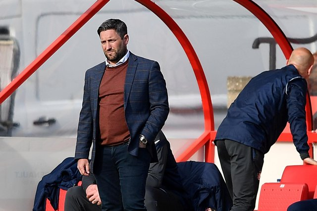 Lee Johnson has named his Sunderland team to face Lincoln City