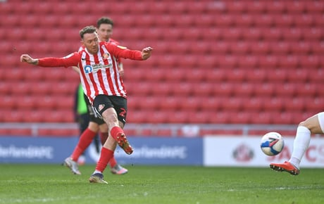 Aiden McGeady receives contract offers but 'wants' Sunderland stay as Cats 'accept defeat' over striker deal