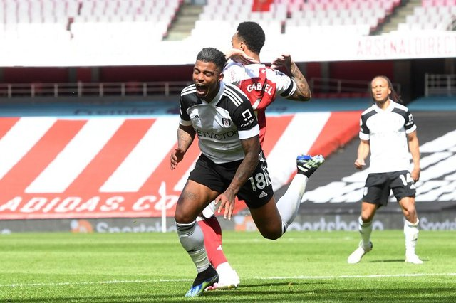 Mario Lemina playing for Fulham during a loan spell.