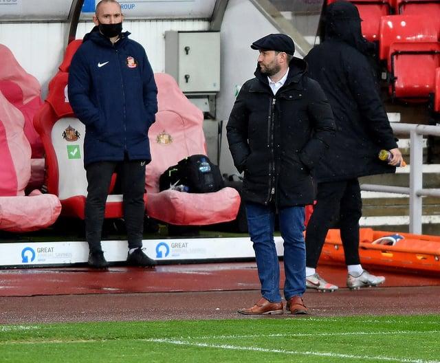 Sunderland head coach Lee Johnson has named his team to face Plymouth Argyle