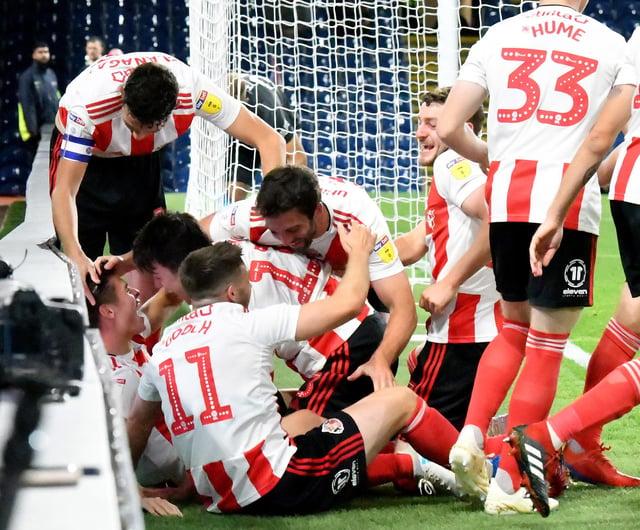 The Sunderland players.