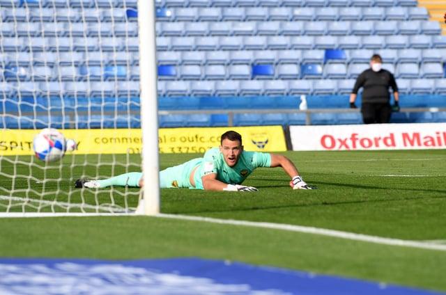 Luke O'Nien puts Sunderland in the lead at the Kassam Stadium