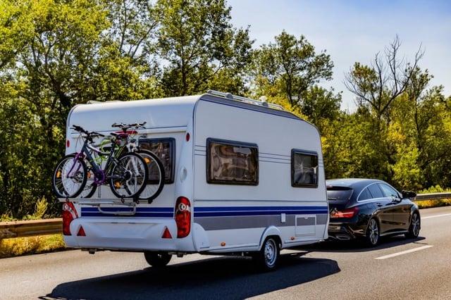 How to tow a caravan