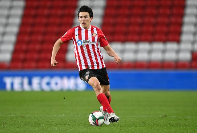 Luke O'Nien 'held talks' with Championship club but deal looks unlikely as Sunderland hope for contract boost