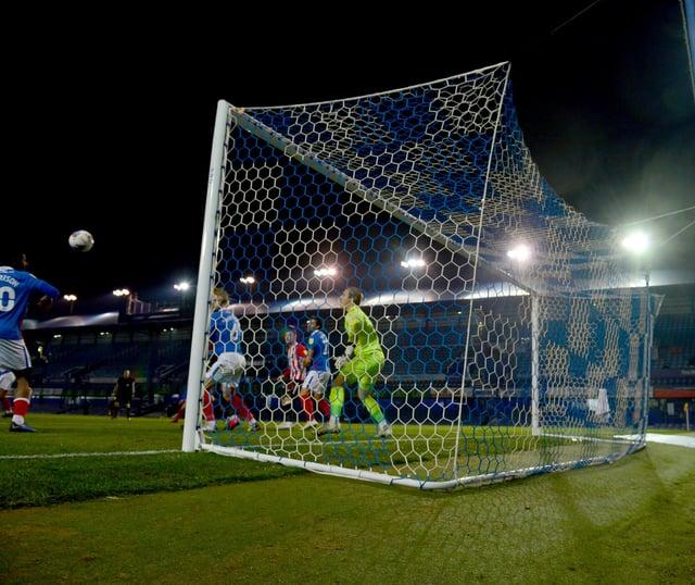 Sunderland beat Portsmouth 2-0 on Tuesday at Fratton Park.