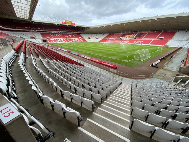 Sunderland under-23 duo training with first-team squad as they bid to win new contracts