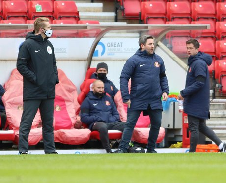 Lee Johnson to weigh up Sunderland changes but has this clear message after Charlton defeat