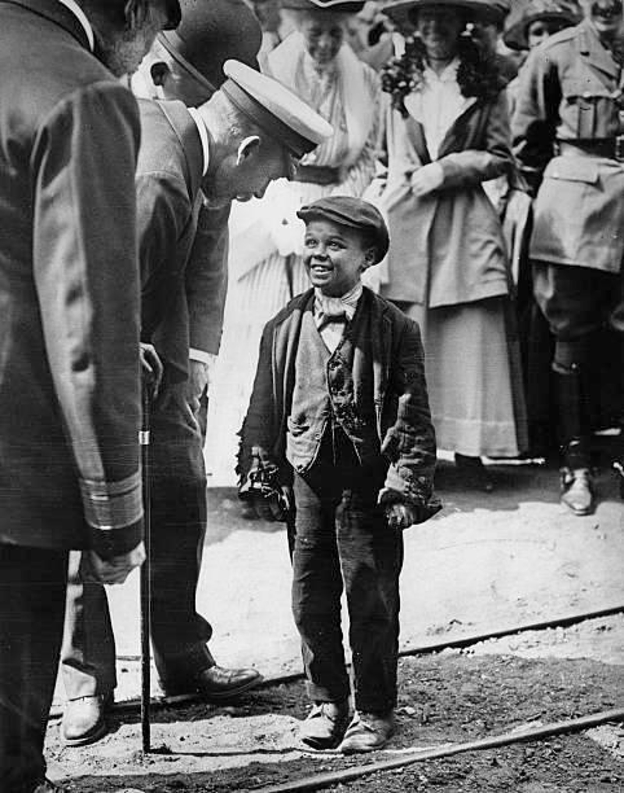 ON THE WATERFRONT: The lad who shook the King's hand   Sunderland Echo
