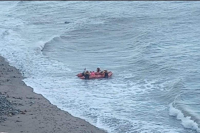 Rescue teams calledafter two womencut offby the tide in theRyhope area