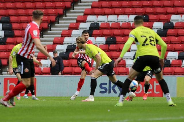 Jordan Jones shoots early in Sunderland's 1-1 draw with Northampton Town