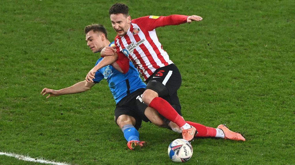 Ex-Sunderland left-back signs one-year deal with League One rivals - joins former Academy of Light man