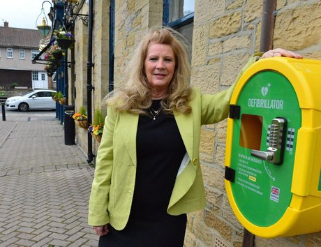 This Wearside pub has a new £1,400 defibrillatorafter cash for the device was raised in just FIVE DAYS