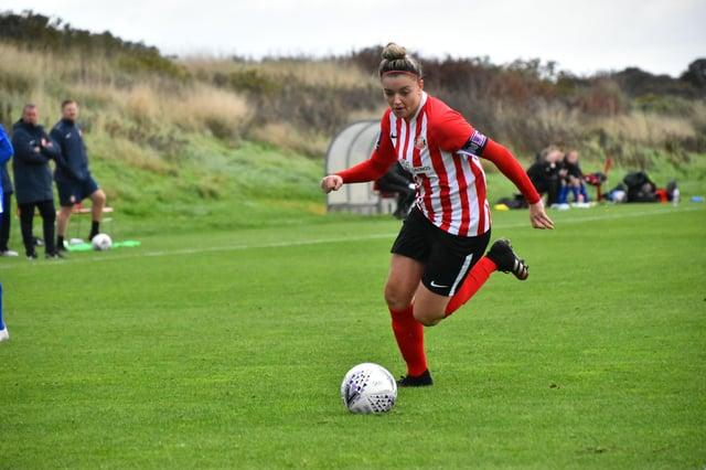 Sunderland Ladies captain Keira Ramshaw in action - Photo by Chris Fryatt.