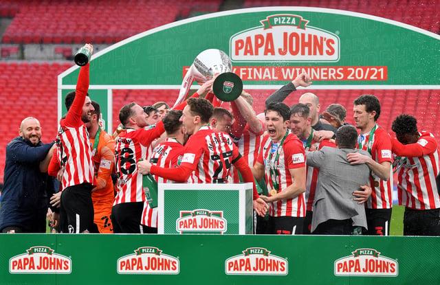 Sunderland celebrate their Papa John's Trophy win