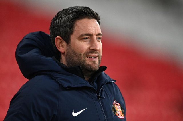 Sunderland head coach Lee Johnson has named his side to face Portsmouth